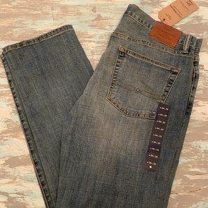 34 x 32 Lucky Brand Men's 221 Straight Jeans Denim